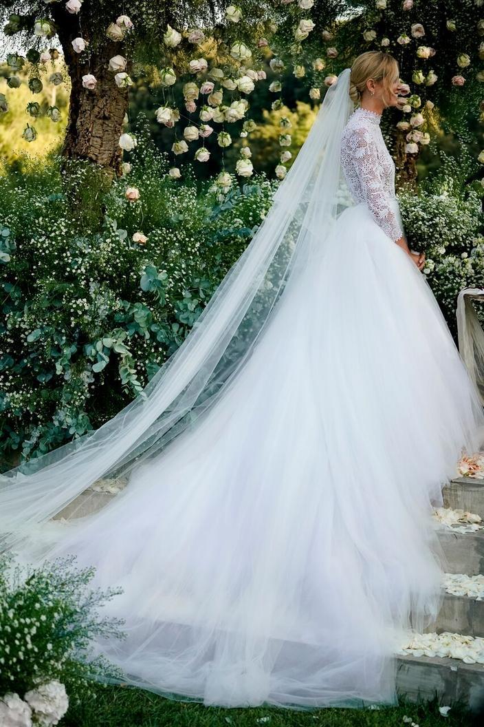 Fete Foraine Concert Et Robes Dior Pour Le Mariage De