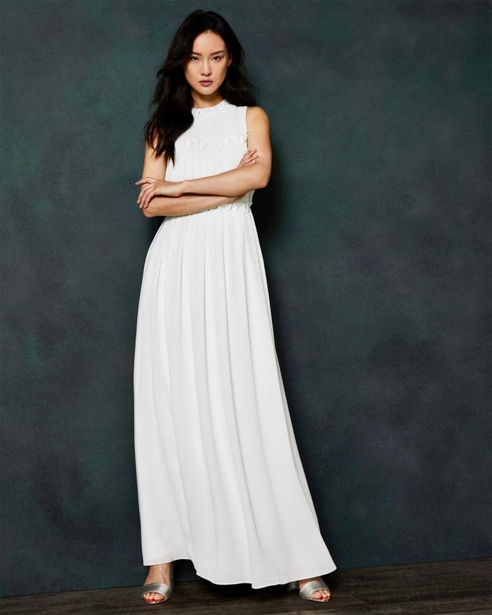 couleur attrayante garantie de haute qualité sélection mondiale de Peut-on acheter sa robe de mariée en soldes ? - Madame Figaro