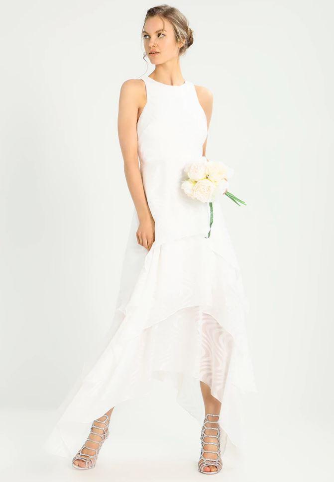 Peut On Acheter Sa Robe De Mariée En Soldes Madame Figaro