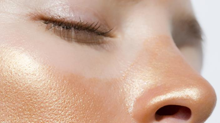 Comment apaiser rapidement un coup de soleil sur le visage ...