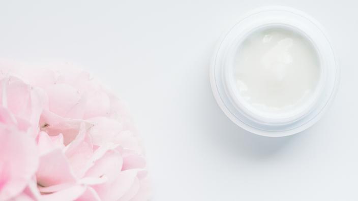 pot de crème hydratante pour peau mixte
