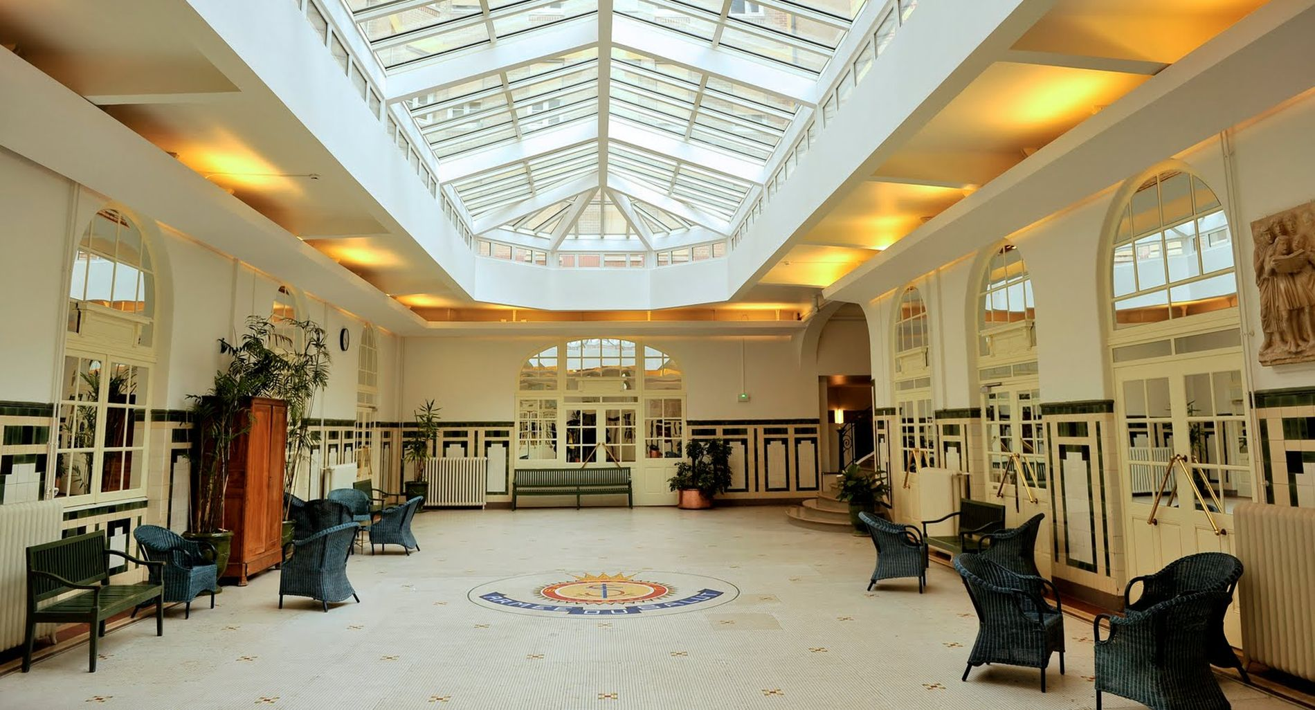 Le Palais De La Femme Un Toit Pour Celles Qui Ont Connu Les