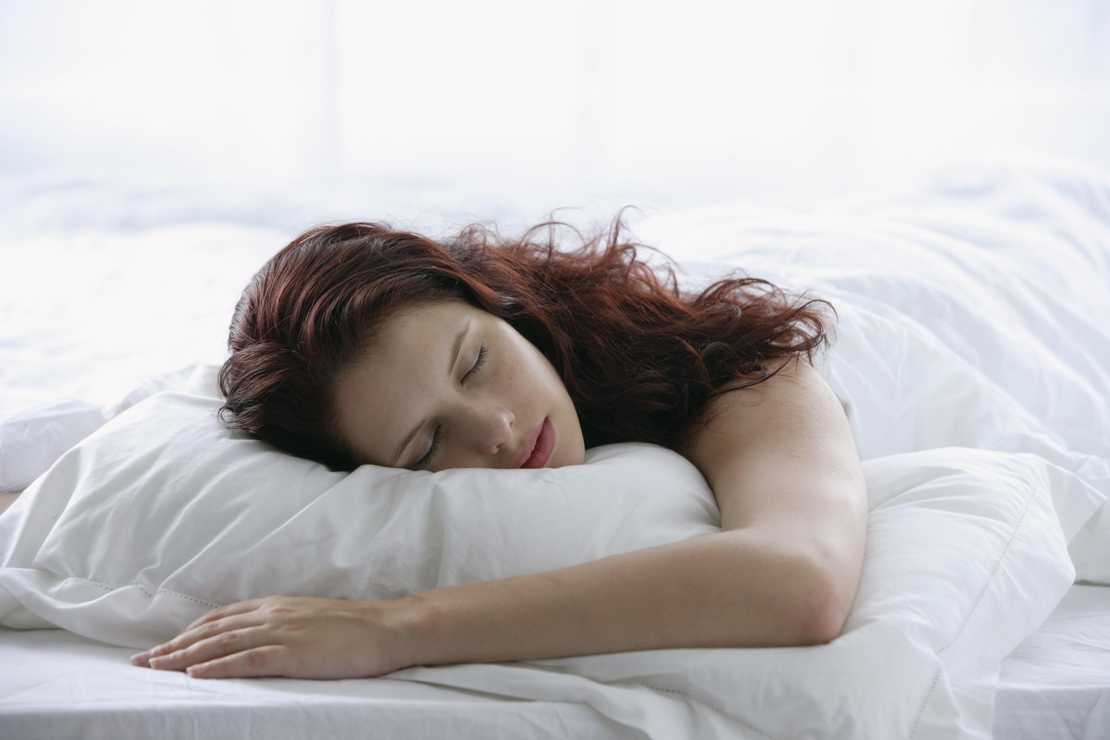 Tete De Lit Avec Coussin Comment Faire ces mauvaises habitudes qui ruinent notre sommeil - madame