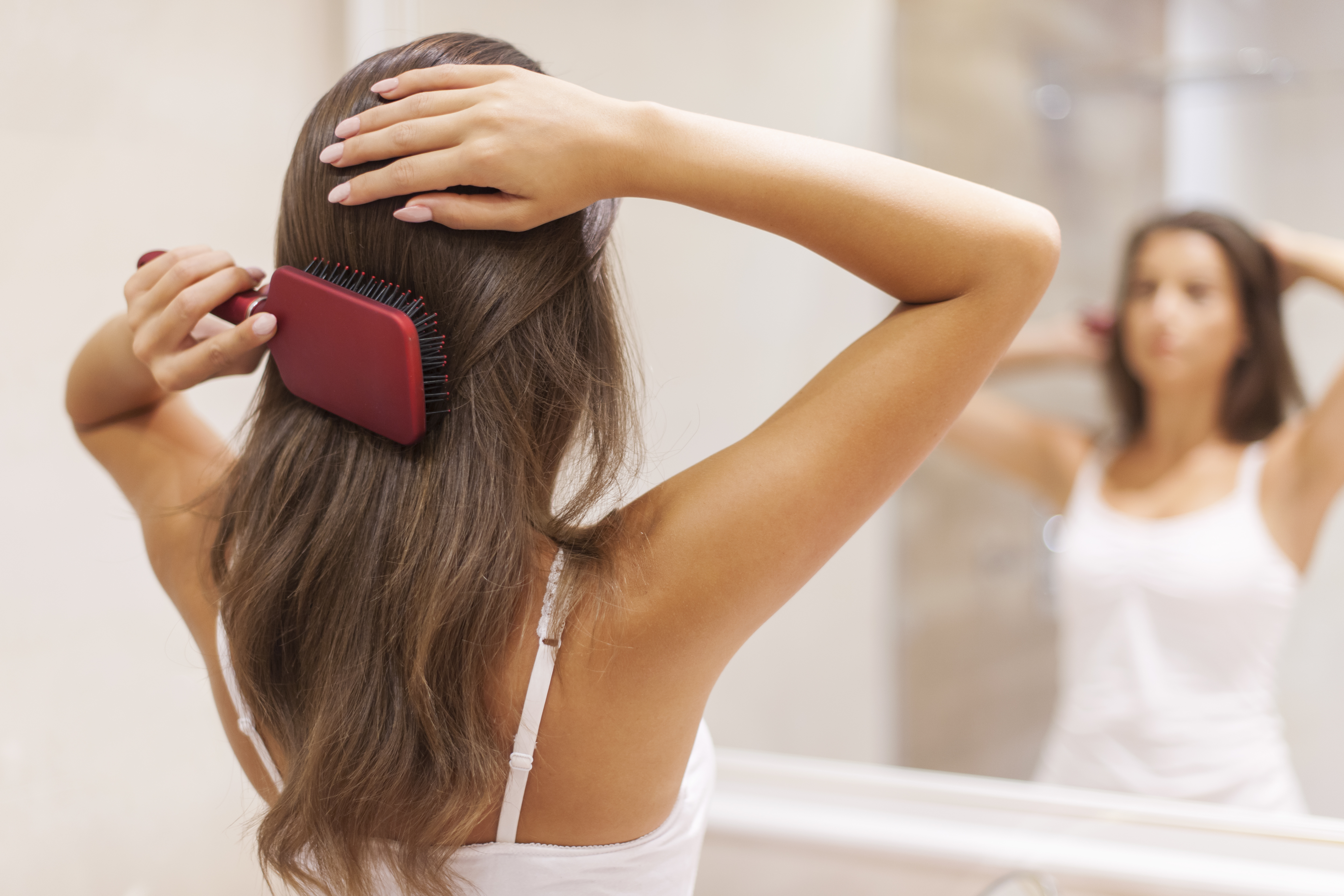 Se brosser les cheveux quand ils sont mouillés