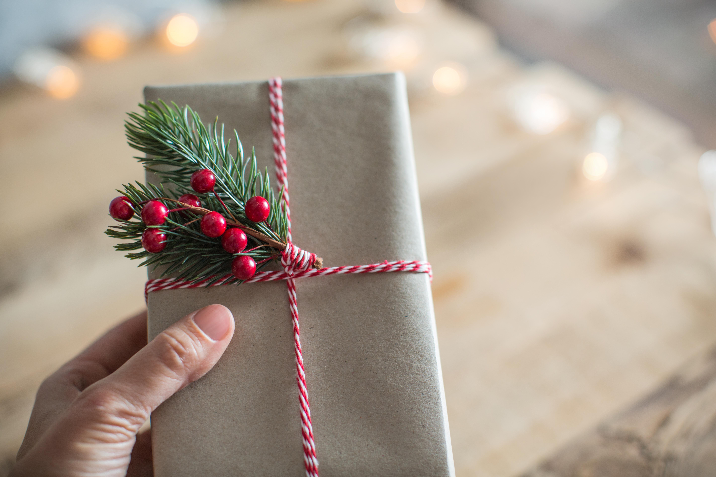 Vendre Ses Cadeau De Noel.Le 24 Au Soir Ou Le 25 Décembre Au Matin Quand Faut Il