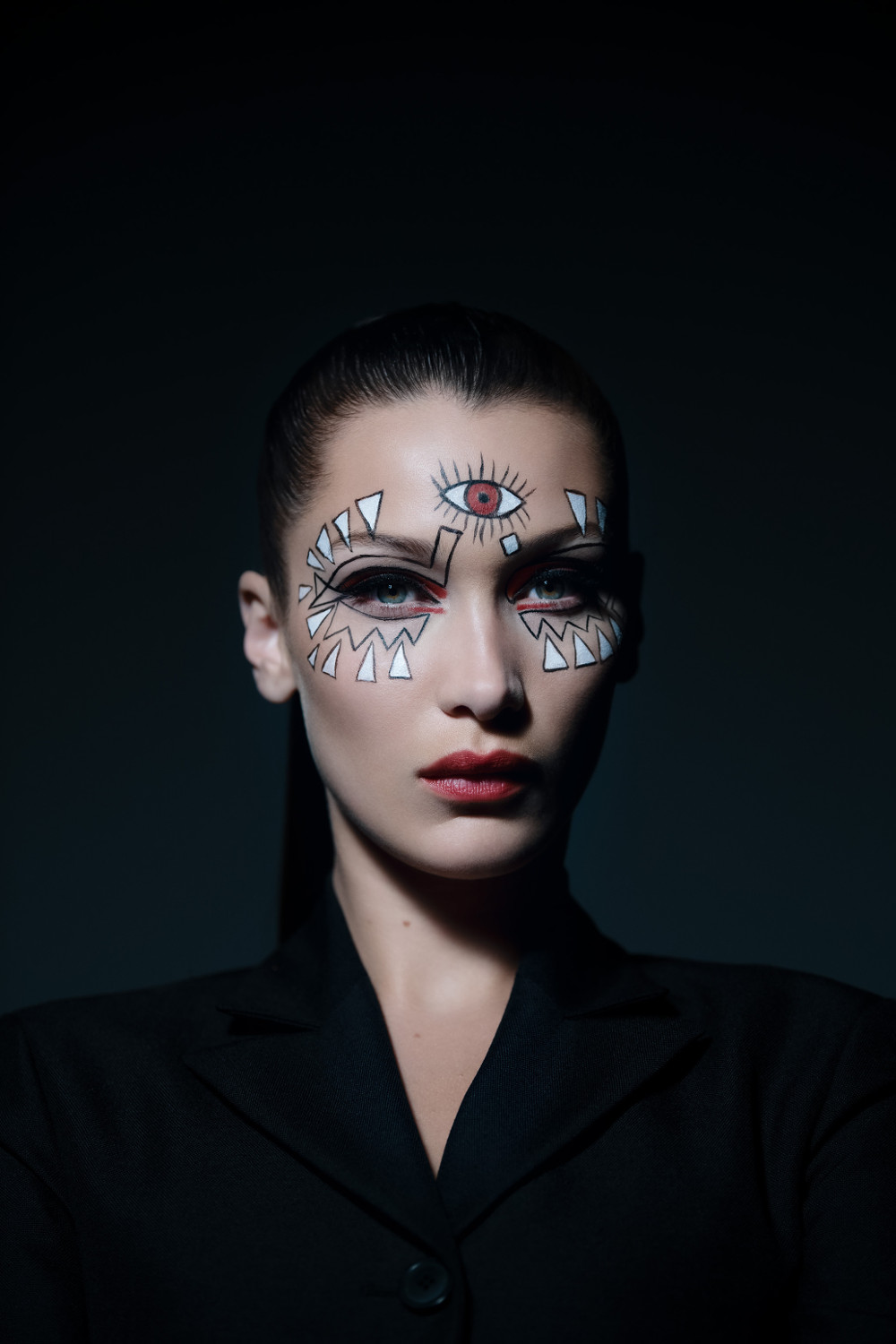 Tuto maquillage  Bella Hadid nous ensorcelle pour Halloween