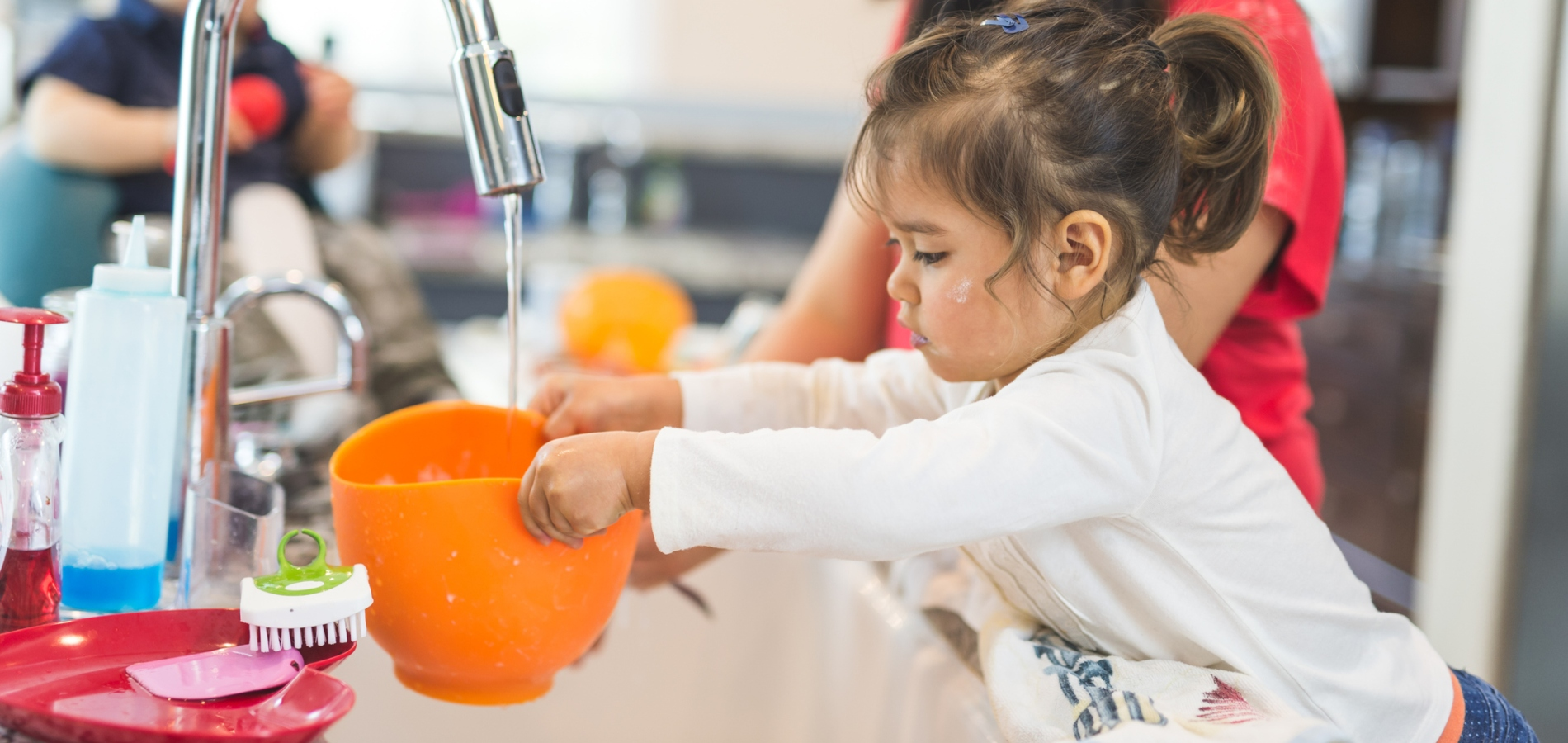 Lit Au Sol Montessori Quel Age cinq façons d'appliquer la pédagogie montessori à la maison