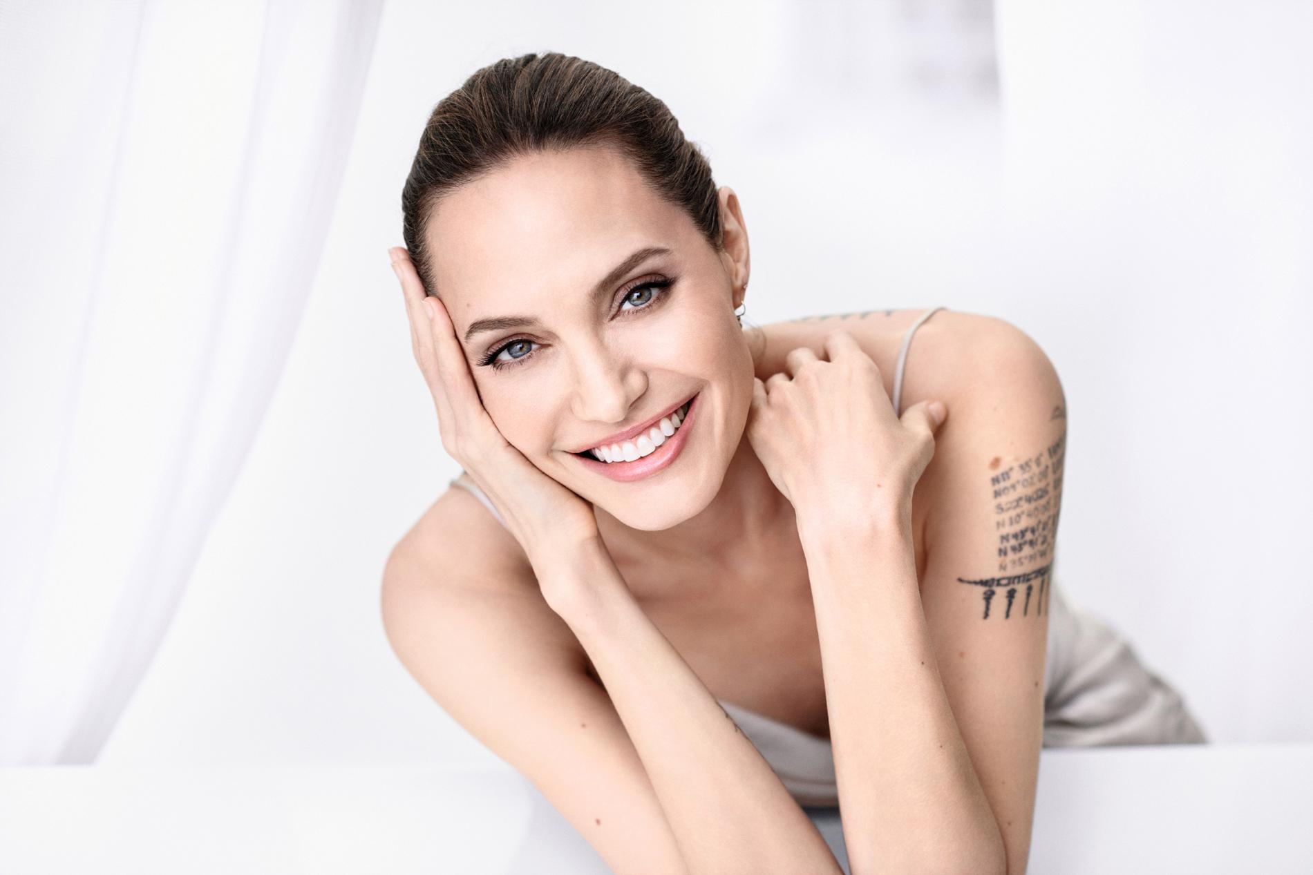 """La Jolie Fille De L Air angelina jolie : """"À la fin de mon couple avec brad, je ne me"""