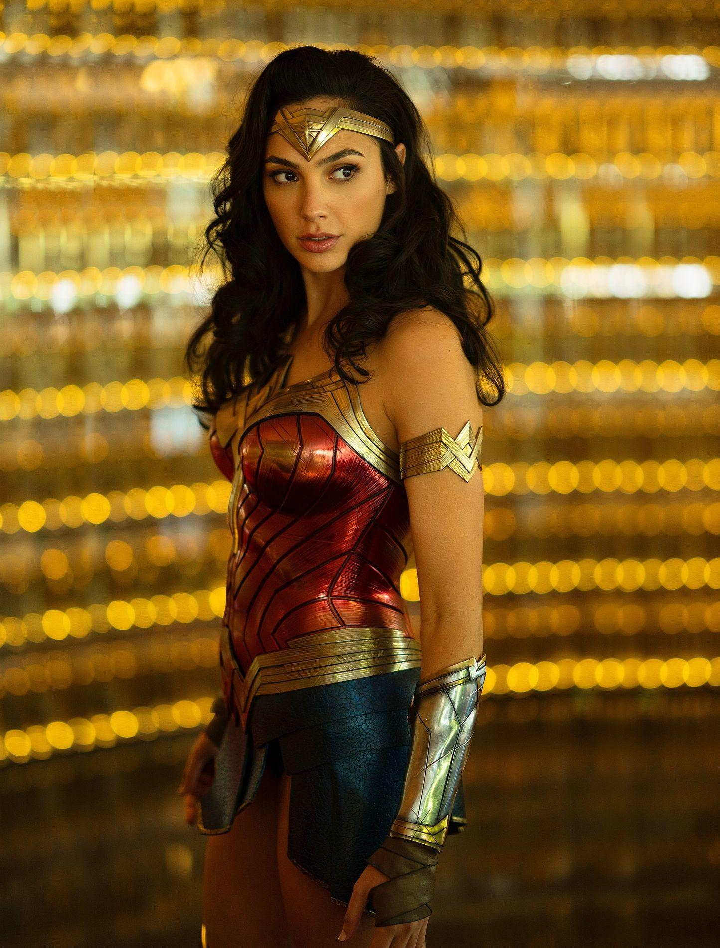 Wonder Woman Comment La Super Heroine De Dc Comics Est Devenue Une Icone Feministe Madame Figaro