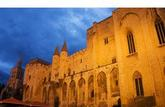 Avignon, la cité des paradoxes