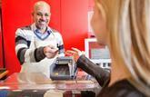 Les cartes bancaires des hypermarchés: Faire ses courses, les nouvelles cartes en main