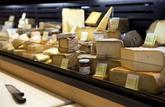 En rayon - l'étiquetage: comparer le taux de matière grasse des fromages