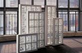 Une source de lumière: une ouverture en briques de verre