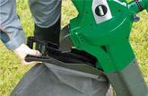 L'aspirateur souffleur broyeur PRASB+ de Ribiland: les feuilles mortes s'aspirent à la pelle