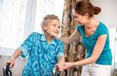 Les seniors cumulent aide ménagère et majoration pour tierce personne