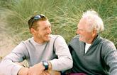 Comment gérer l'assurance vie d'une personne âgée