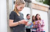 0800 200 000: le numéro à composer en cas de cyber-harcèlement à l'école