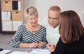 Faut-il faire du conjoint le bénéficiaire exclusif de son contrat d'assurance vie?