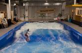 Une journée pour apprendre à surfer une vague artificielle