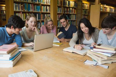 Etudiants: financer les études supérieures de son enfant