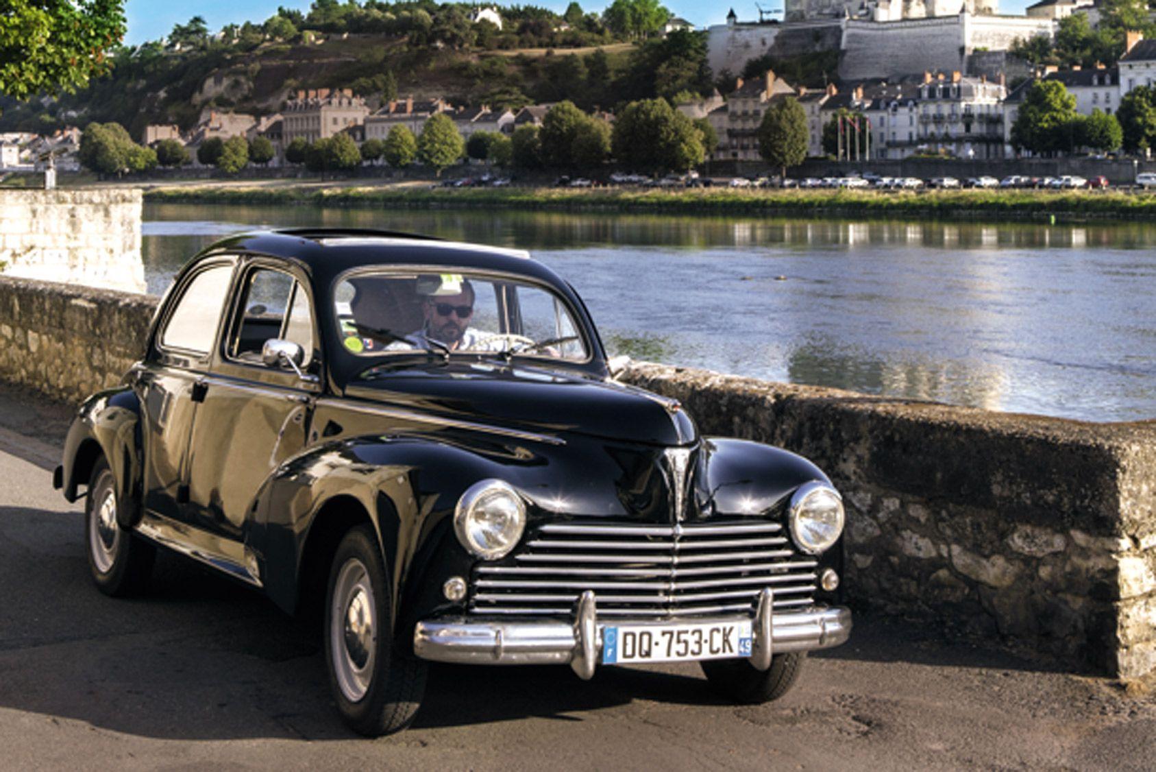 Deux jours au volant d'une voiture de collection sur la route des vins d'Anjou