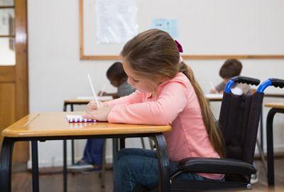 Chaque élève handicapé aura un accompagnant scolaire dès la rentrée 2017/2018