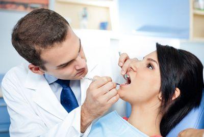 Le saignement des gencives peut conduire à une perte des dents