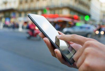 Impôts: les 3 étapes pour déclarer ses revenus avec un smartphone