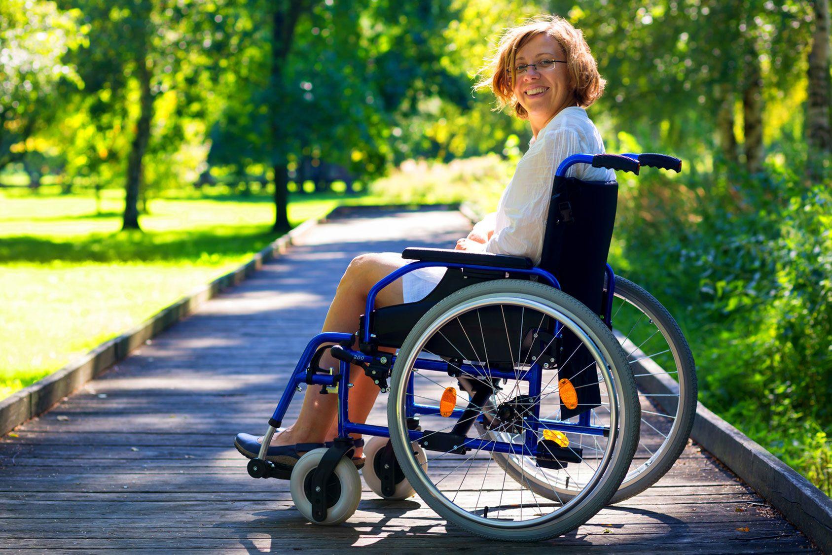 Handicap: les sommes versées aux aidants familiaux sont imposables