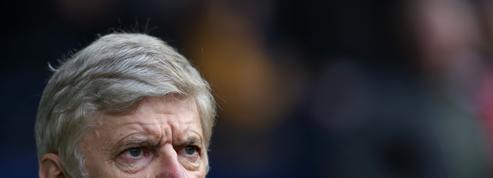 Wenger garde le cap