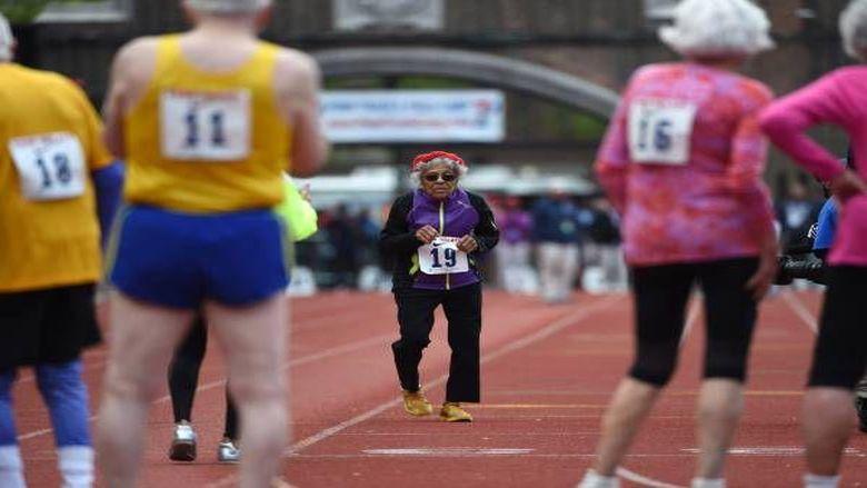 Athlétisme - Elle bat le record du monde du 100 mètres des centenaires