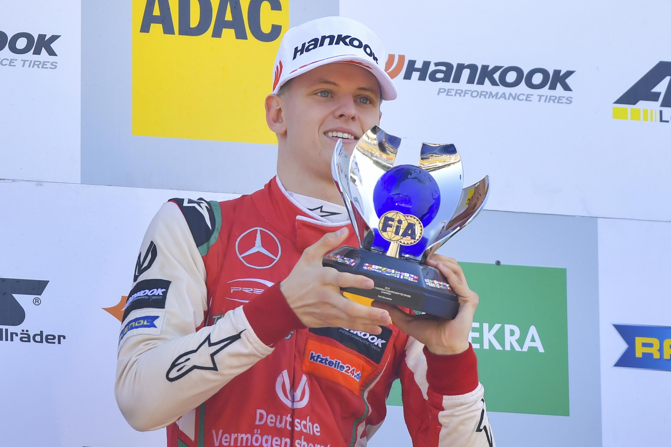 Auto/Moto - Champion de F3, Mick Schumacher marche sur les pas de son père