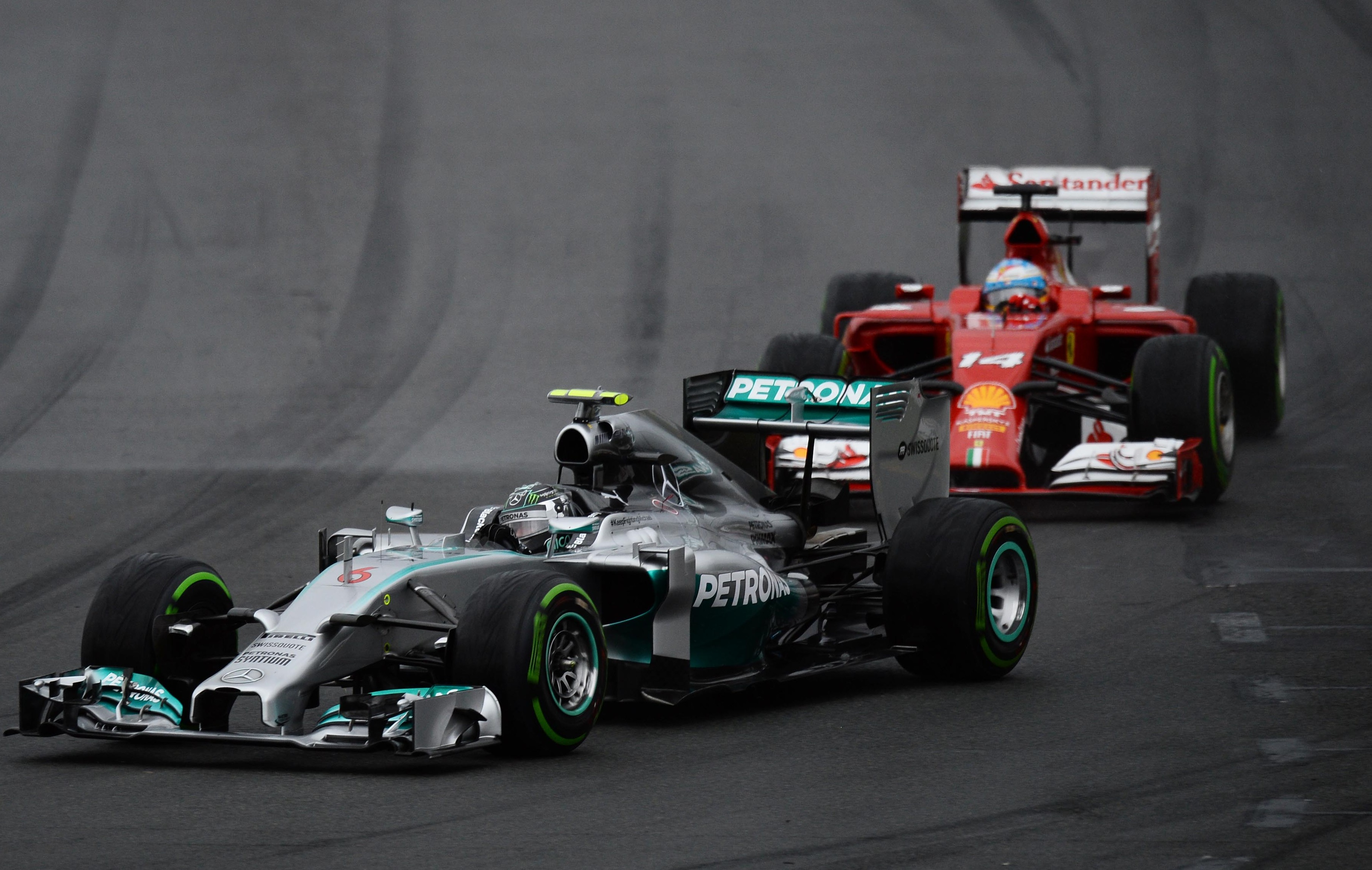 alonso reste au contact de mercedes formule 1 auto moto. Black Bedroom Furniture Sets. Home Design Ideas