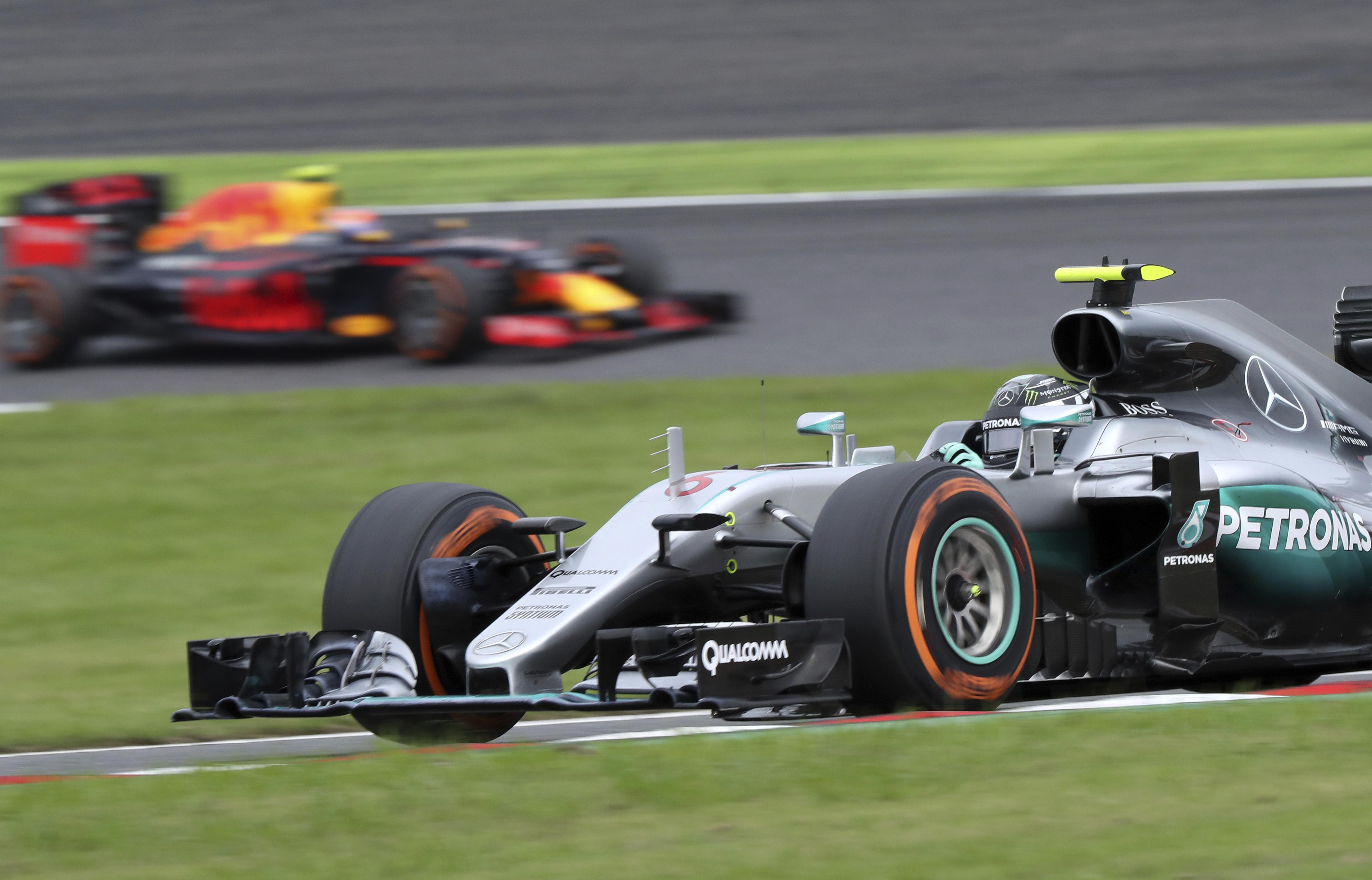 Auto/Moto - Classement des constructeurs : Mercedes fait le triplé