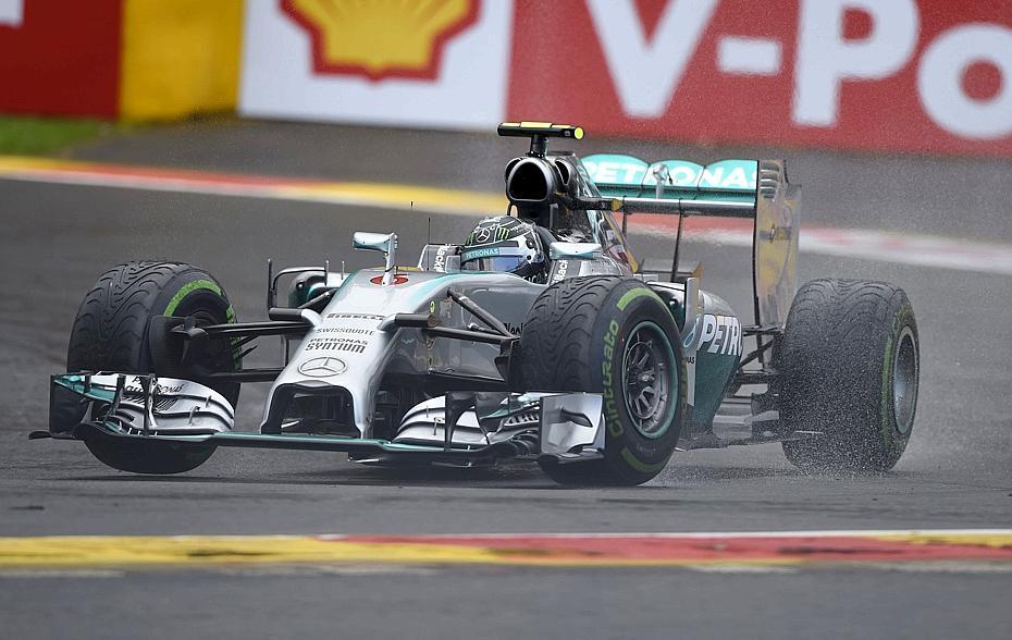 F1 - M�me sous la pluie, Mercedes domine