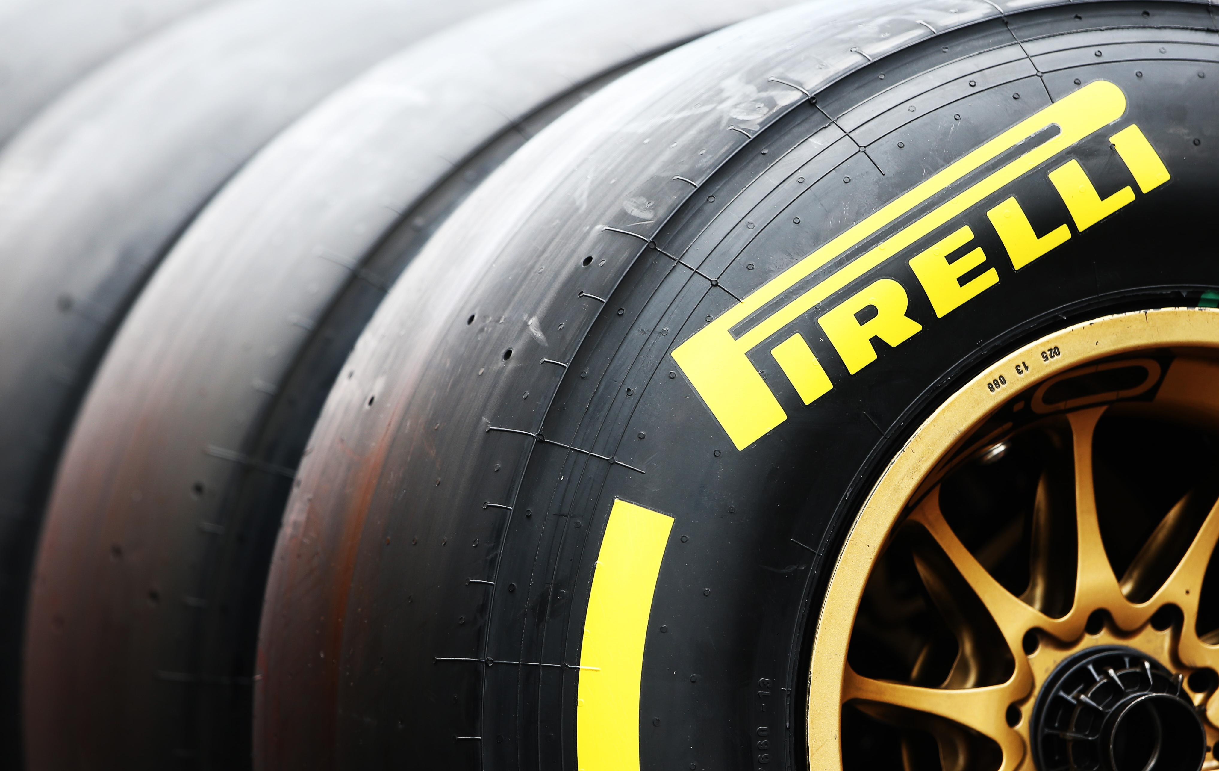 pirelli renforce ses pneus formule 1 auto moto. Black Bedroom Furniture Sets. Home Design Ideas