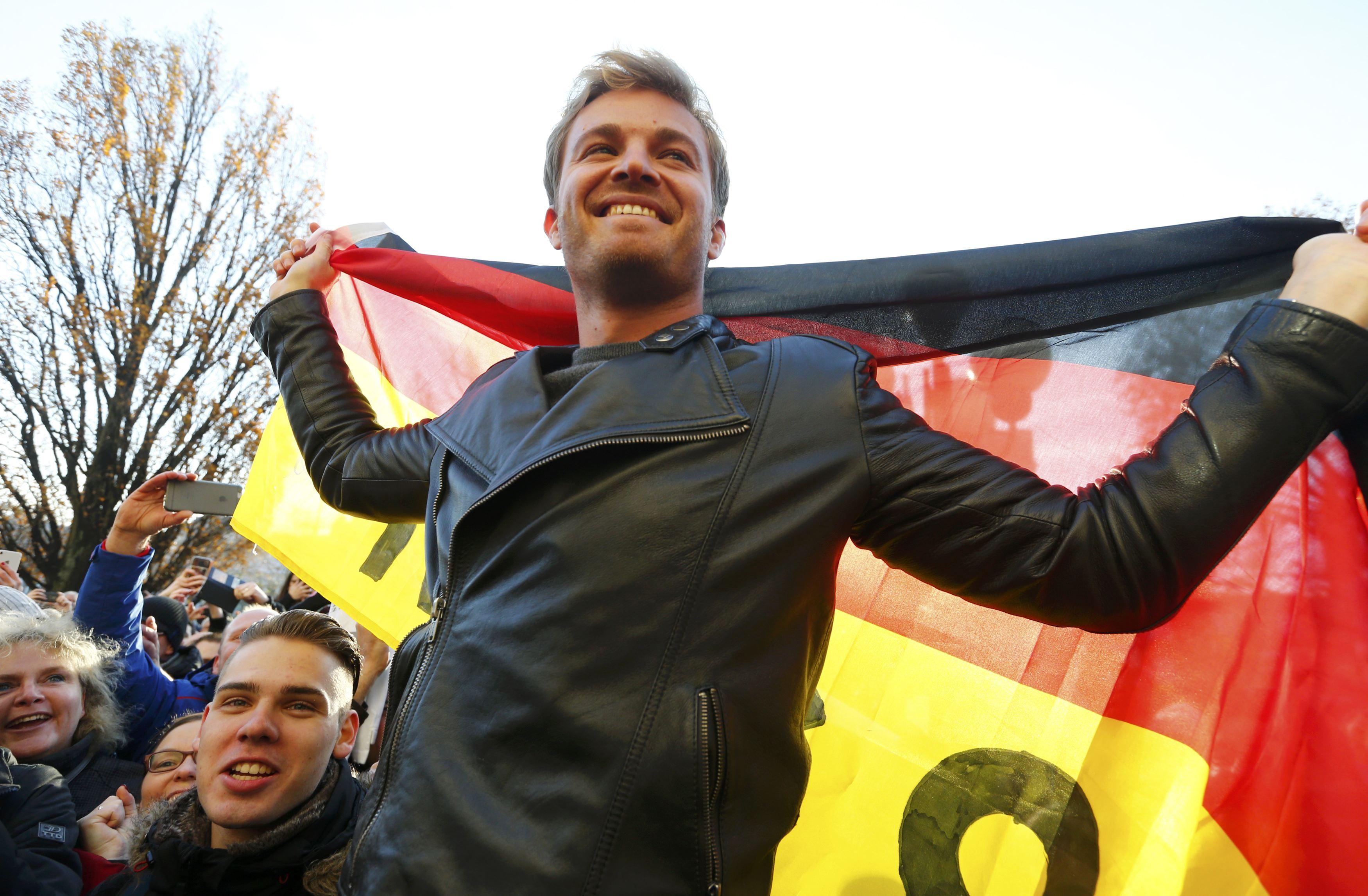 Auto/Moto - Nico Rosberg surprend le monde de la F1 et tire sa révérence