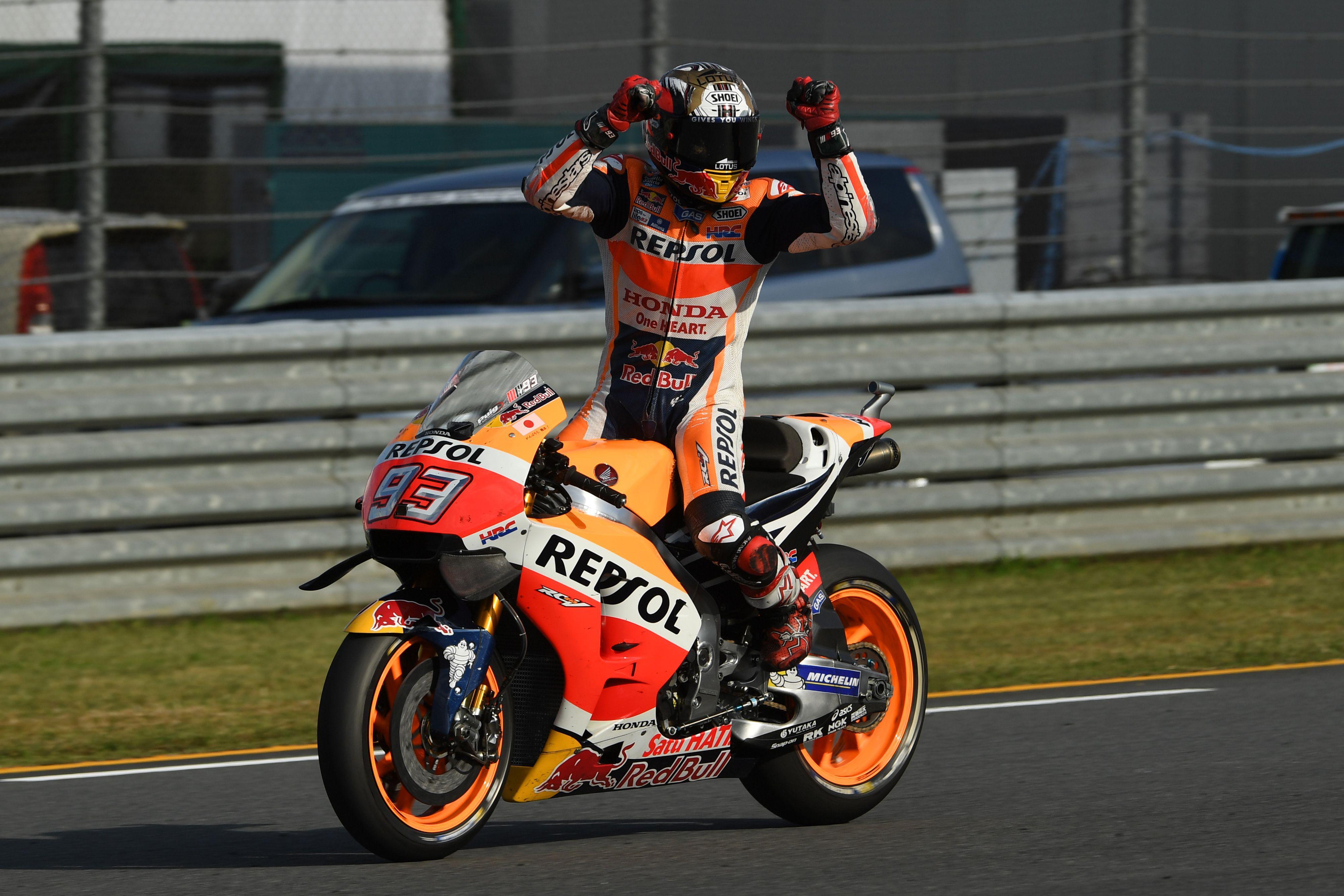 Auto/Moto - Rossi et Lorenzo chutent, Marquez redevient champion du monde