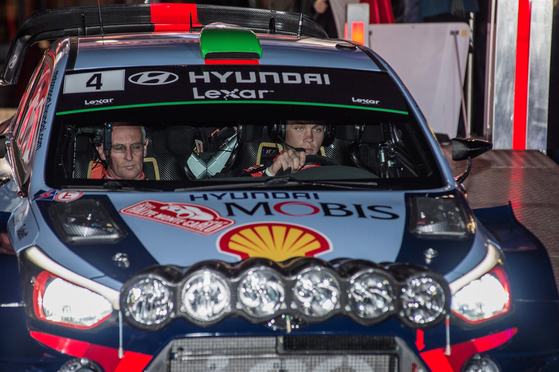 Auto/Moto - Le début du rallye de Monte Carlo marqué par un grave accident