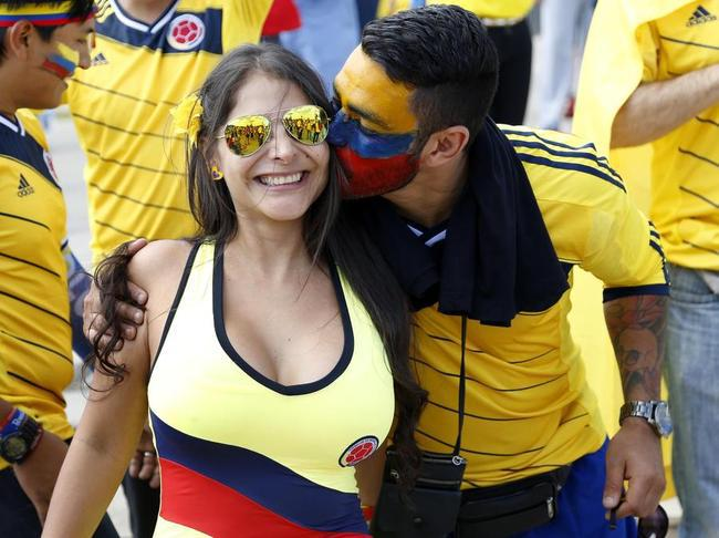 coupe du monde 2014 : supportrice la plus ..... - Page 2 Mondial-2014-supportrice-colombienne_lightbox_diapos