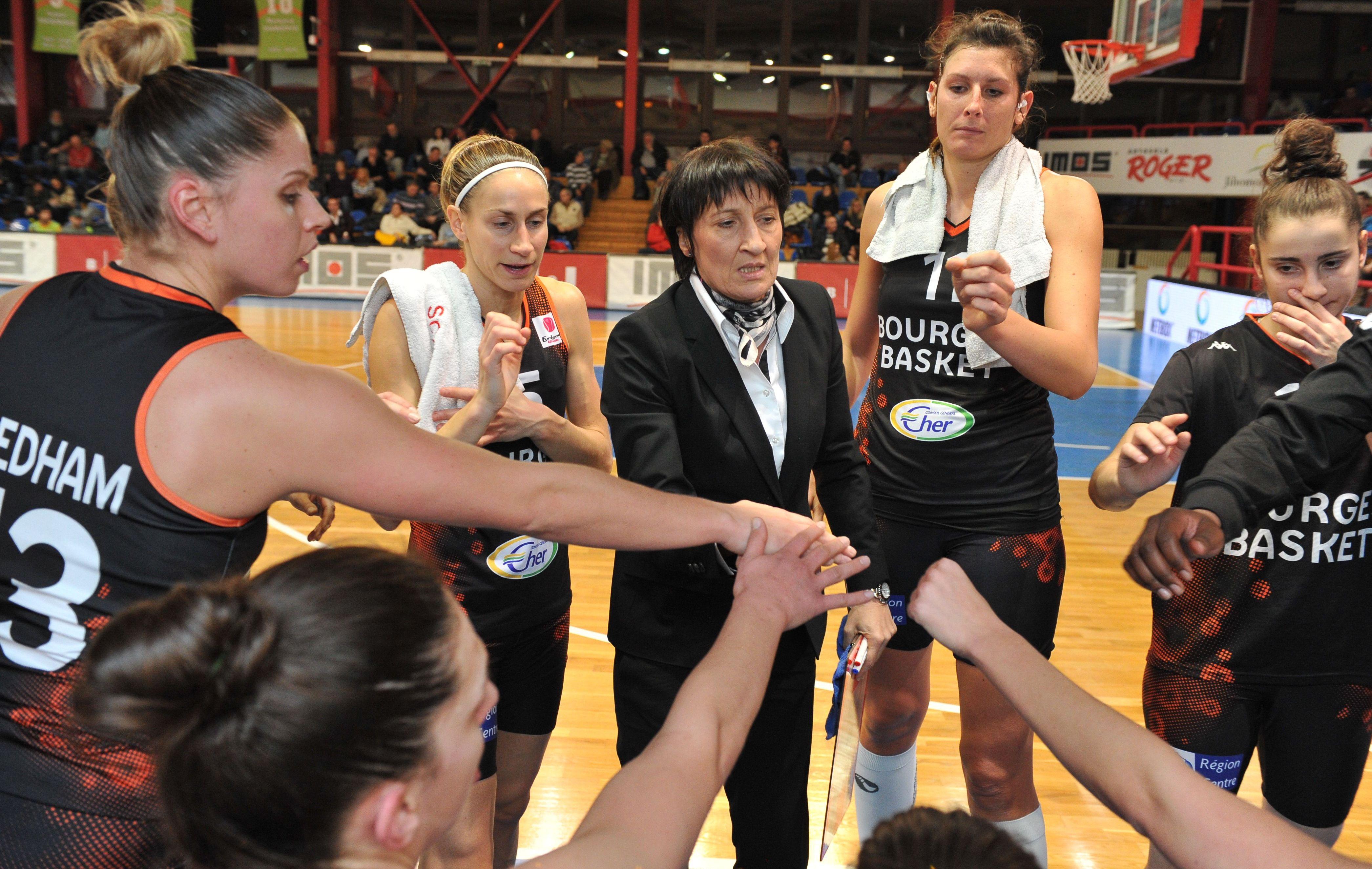 Basket - Et de 13 pour Bourges, qui �gale Clermont