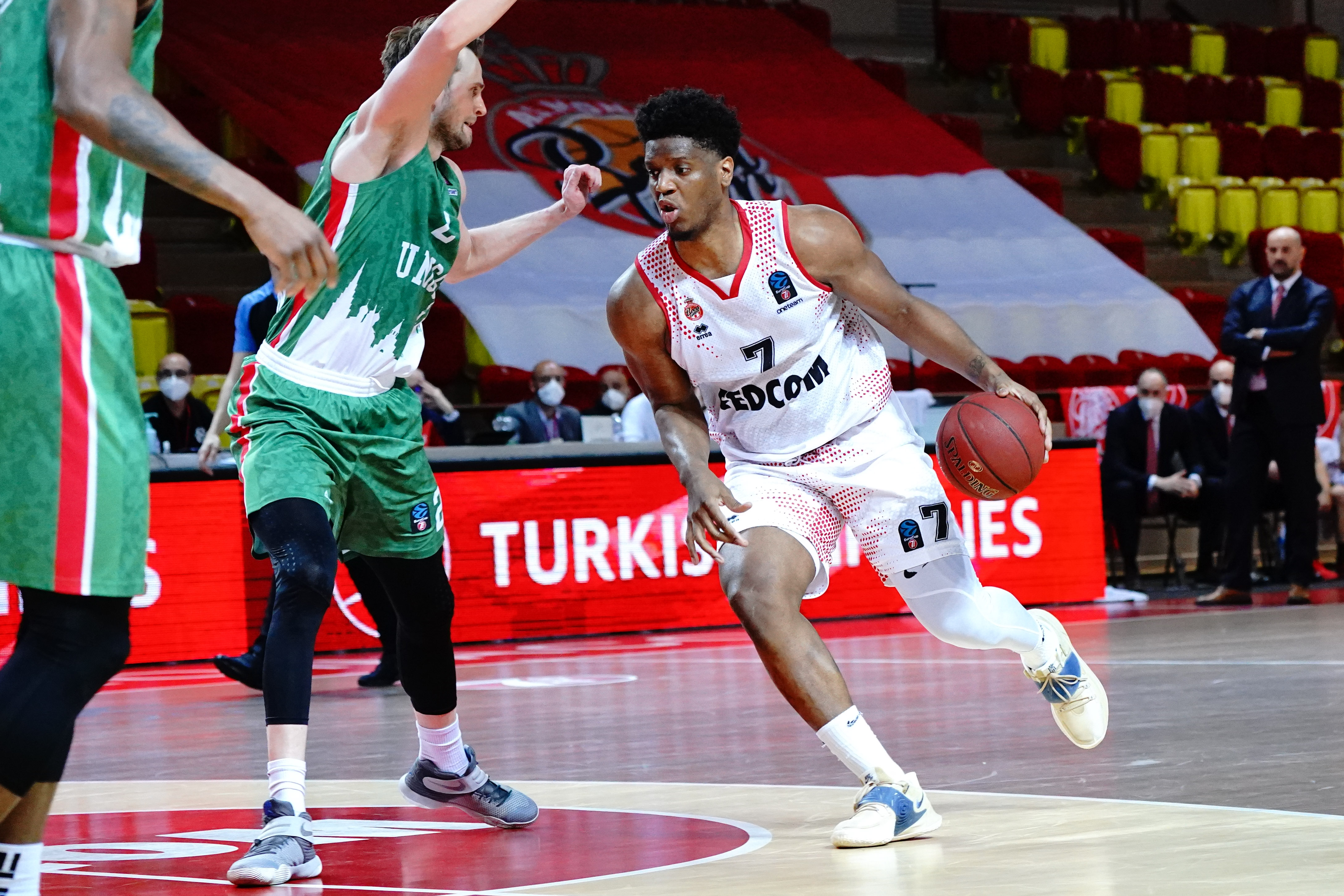 Basket - Coupes d'Europe - Eurocoupe : tombeur de Kazan en finale, Monaco sur le toit de l'Europe