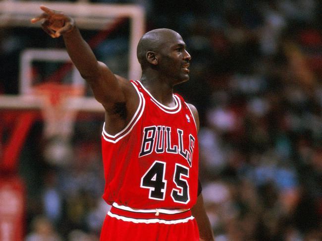 suite de chiffres en image - Page 2 Michael-Jordan-45_full_diapos_large