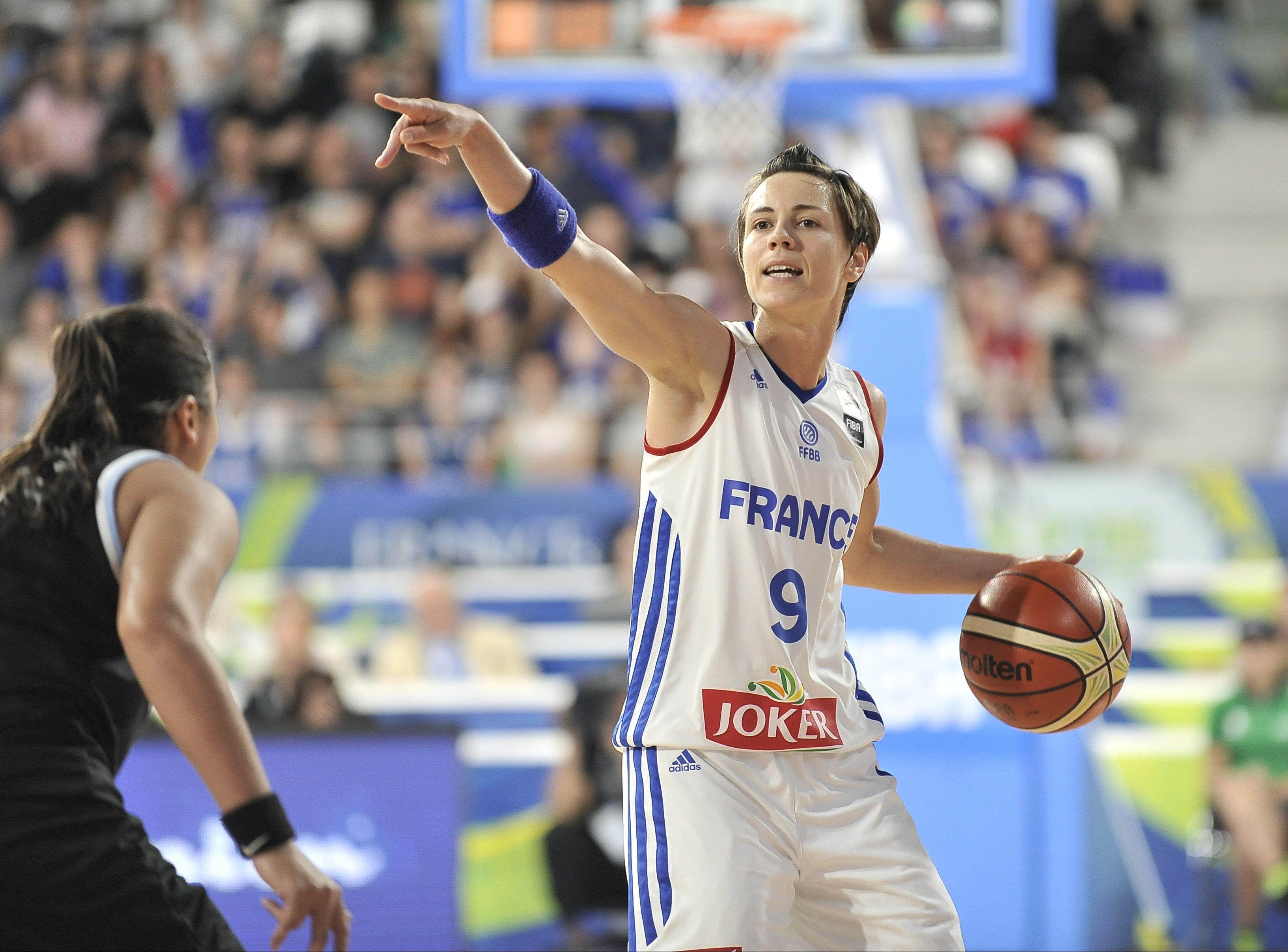 Basket - Equipe de France - Dumerc veut «continuer avec les Bleues» et vise l'Euro 2017
