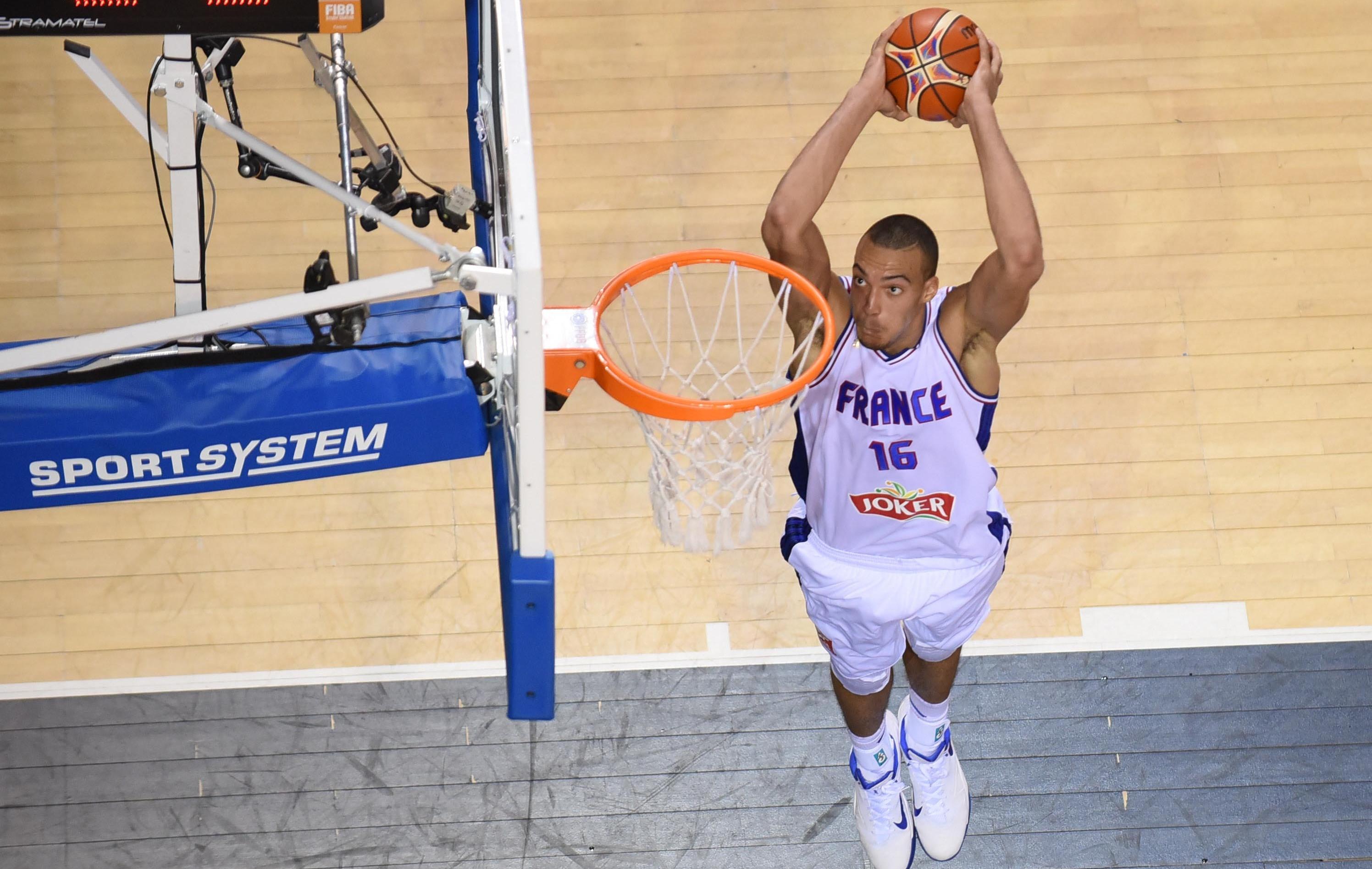Basket - Equipe de France - La France marque la Russie au fer rouge