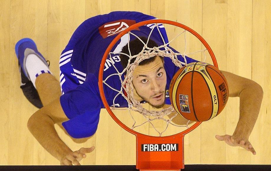 Basket - Equipe de France - Lauvergne � pas de g�ant