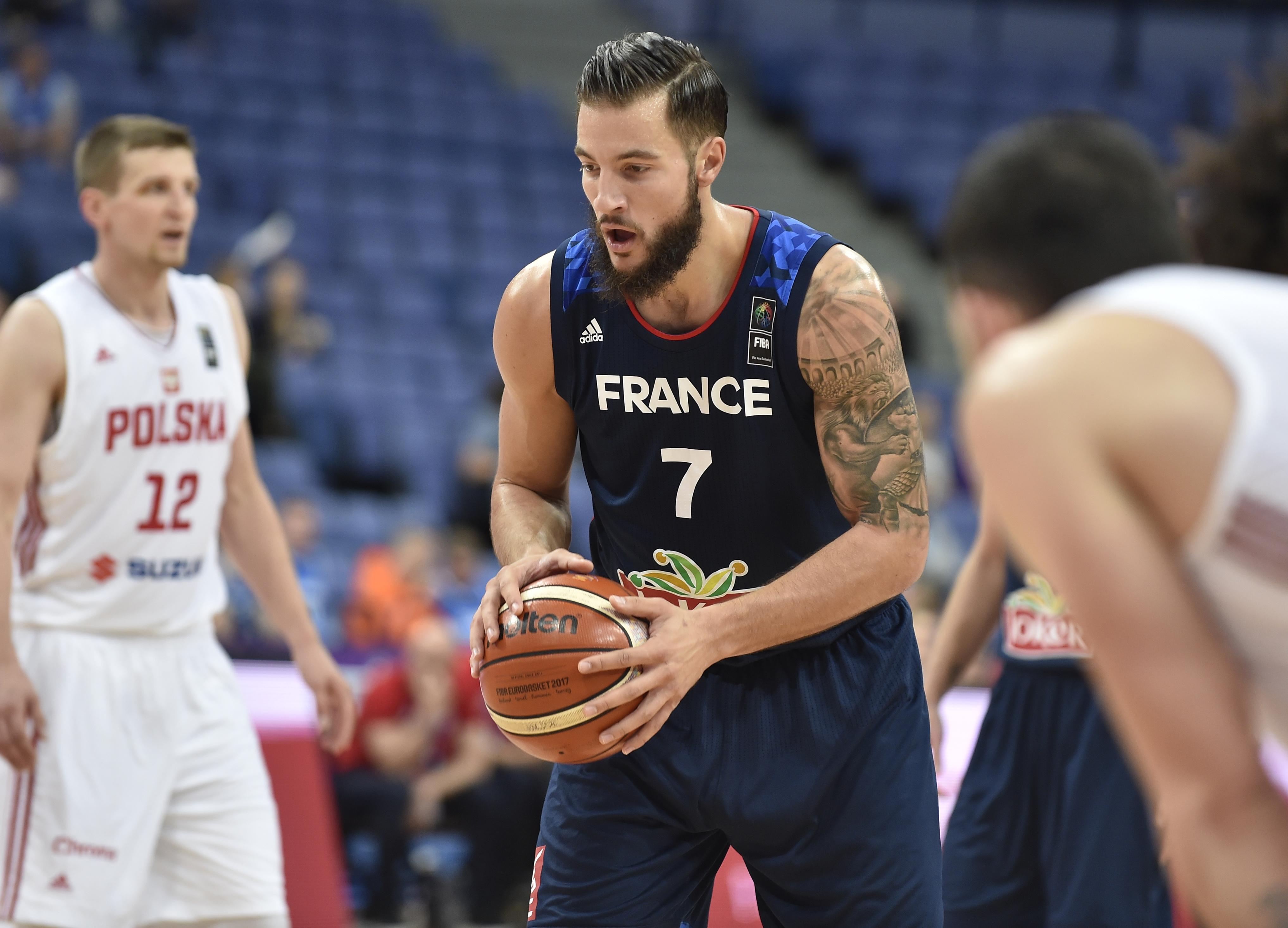 Basket - Equipe de France - Lauvergne : « Embiid peut aider les Bleus, mais ce n'est pas normal »