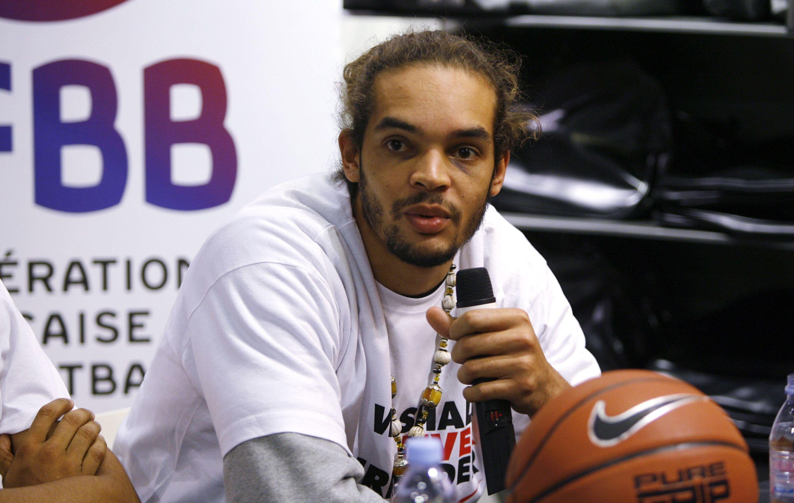 Basket - Equipe de France - �Les ponts n'ont jamais �t� coup�s� entre Noah et la F�d�