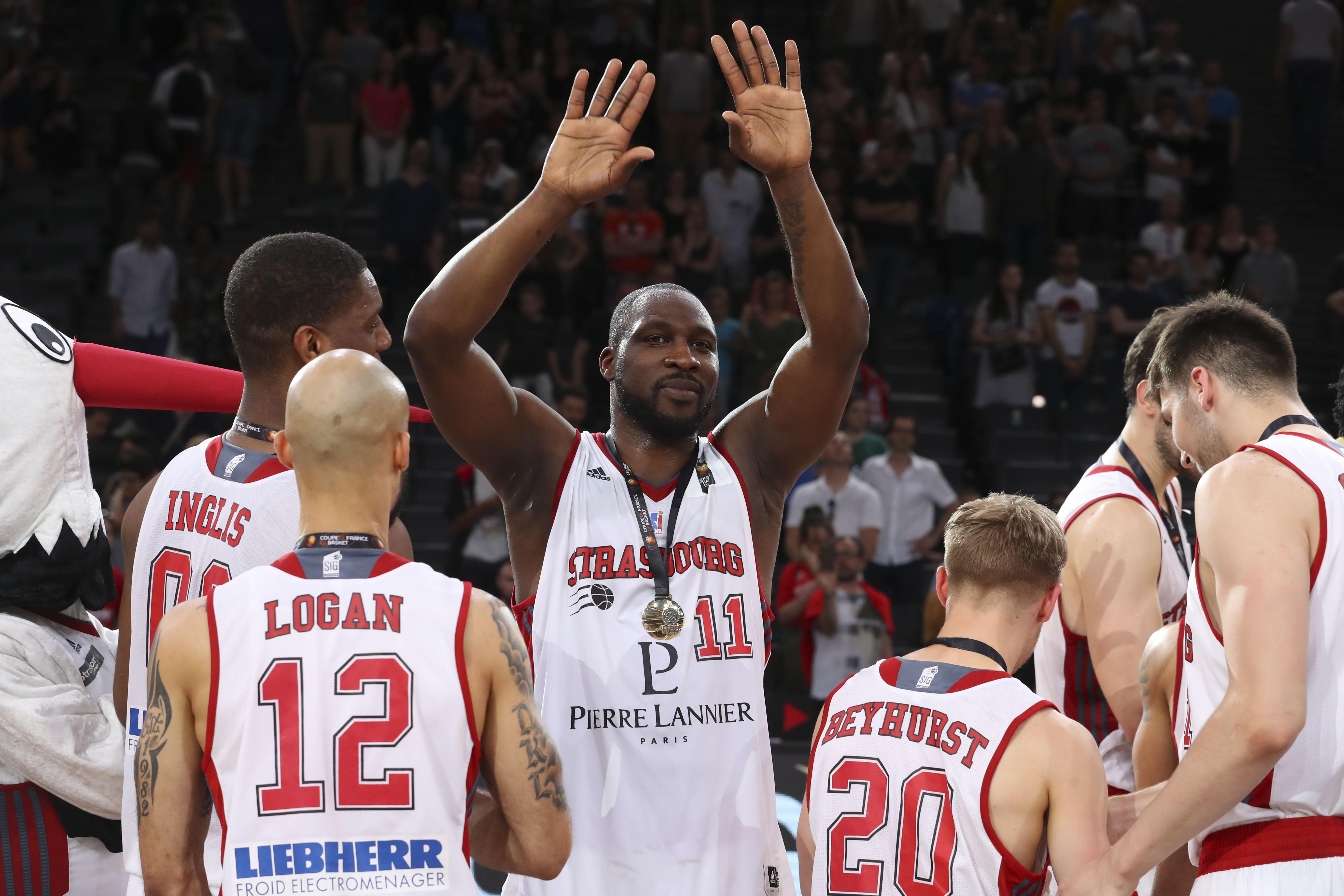 Basket - Jeep ELITE - Florent Piétrus : «L'objectif n°1 reste le championnat, mais cette Coupe de France fait du bien»