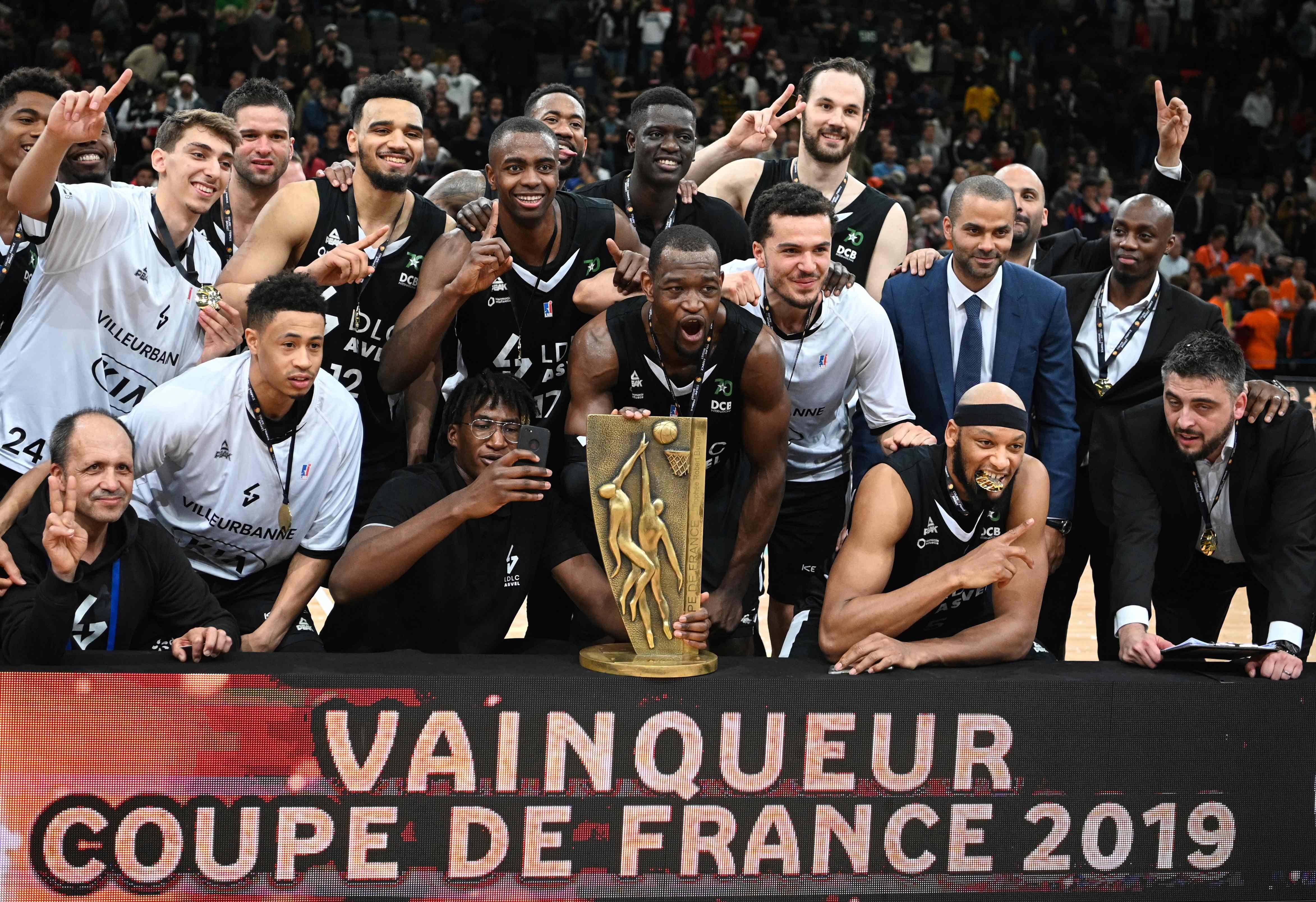 Basket - Jeep ELITE - L'Asvel s'offre une 10e Coupe de France, en attendant les play-offs et l'Euroligue